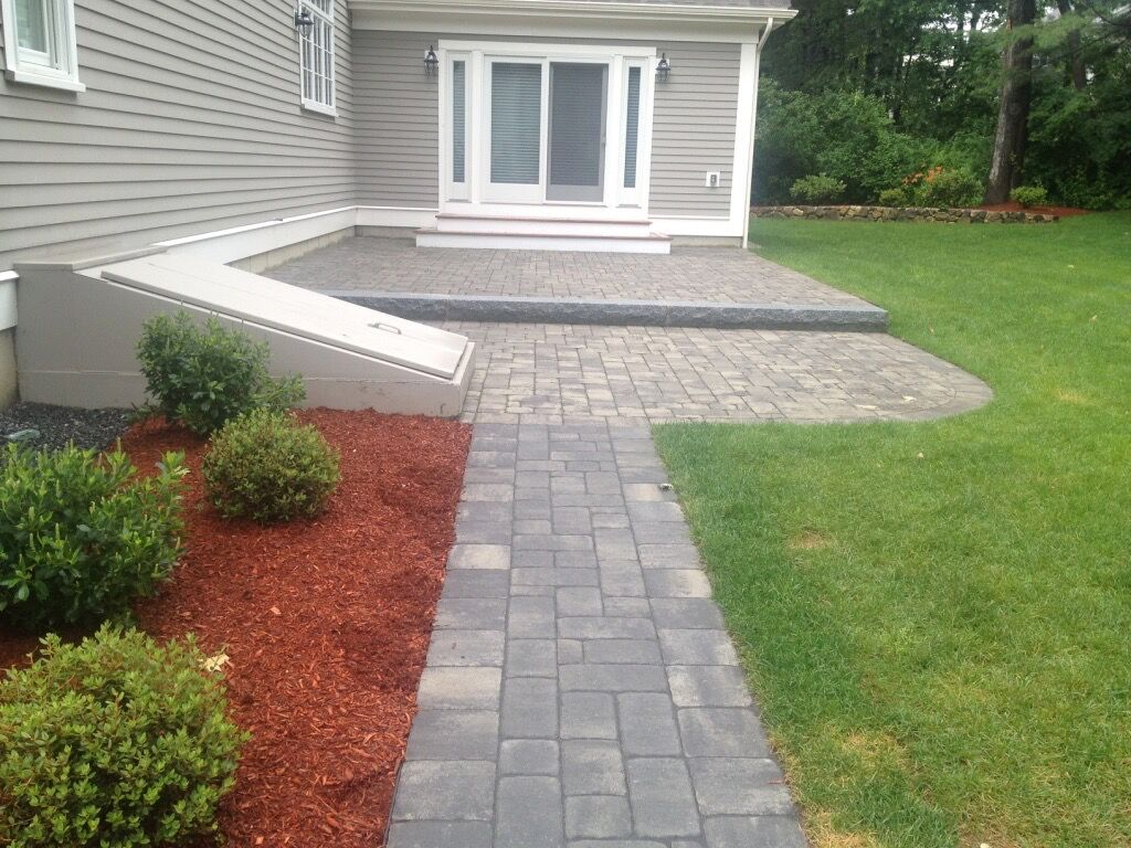 Large Granite Step Curved Patio